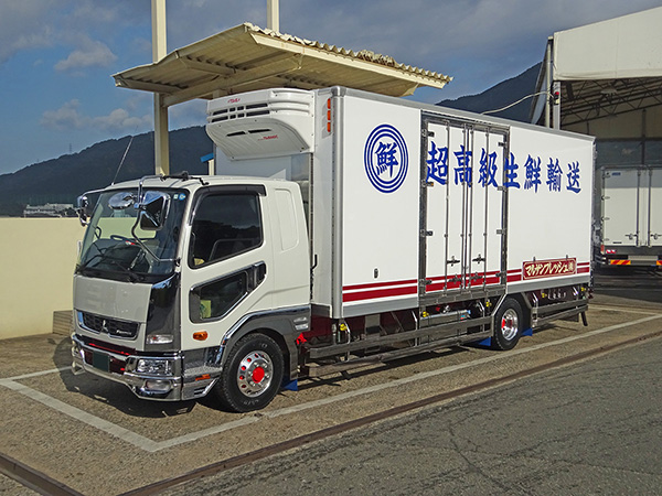 中型冷凍車